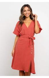 Коралловое платье миди с рукавами кимоно