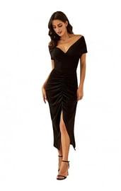 Платье с открытыми плечами и сборкой спереди