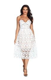 Белое кружевное платье для выпускного