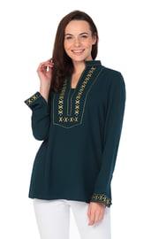 Зеленая рубашка с бохо вышивкой