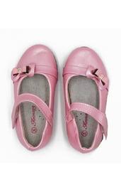 Детские светло-розовые туфельки