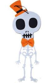 Милый подвесной скелет