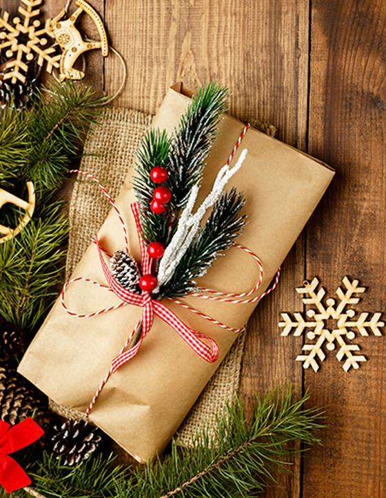 Мы дарим новогодние подарки всем клиентам!
